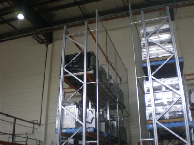 Chainwire pallet racking safety enclosure